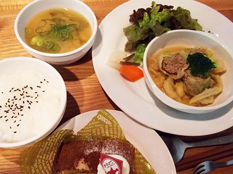 木の里農園さんの有機野菜をたっぷり使用して作った「元気に骨太 和漢膳」定食